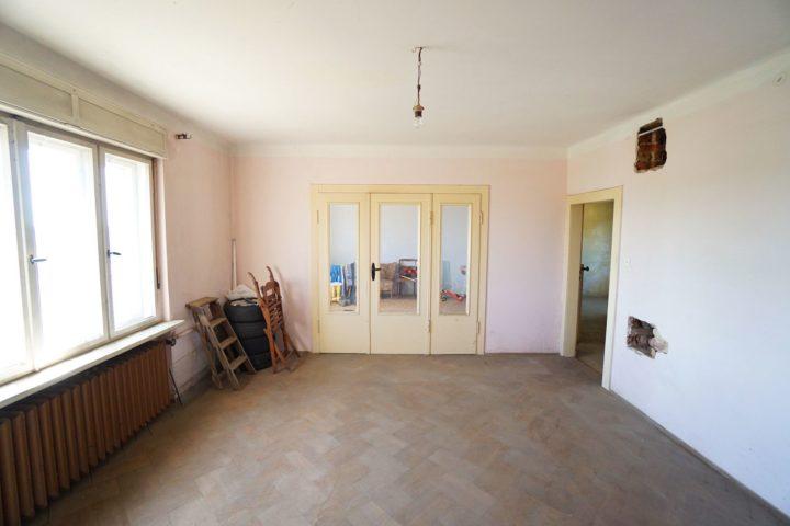 Doppeltüren im Innenbereich der Villa am Monarchenhügel