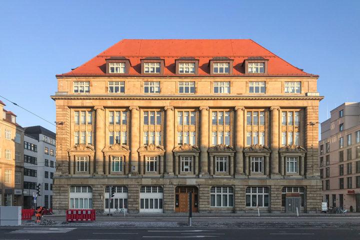Bank Palais Außenansicht am Tröndlingring