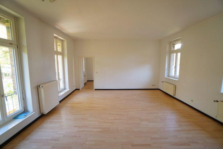 Wohnzimmer mit Blick ins Schlafzimmer Kutscherhaus Alte Straße Leipzig