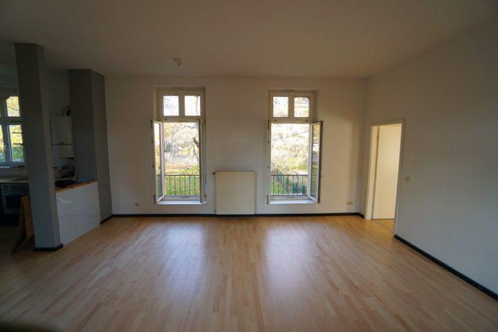 Wohnzimmer mit offener Küche Kutscherhaus Alte Straße Leipzig