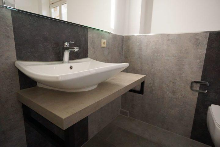 Waschbecken im modernisierten Bad im Kutscherhaus Alte Straße Leipzig